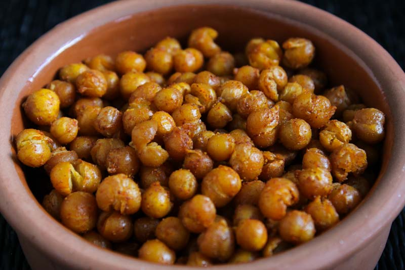 Crispy Smoky Roasted Chickpeas