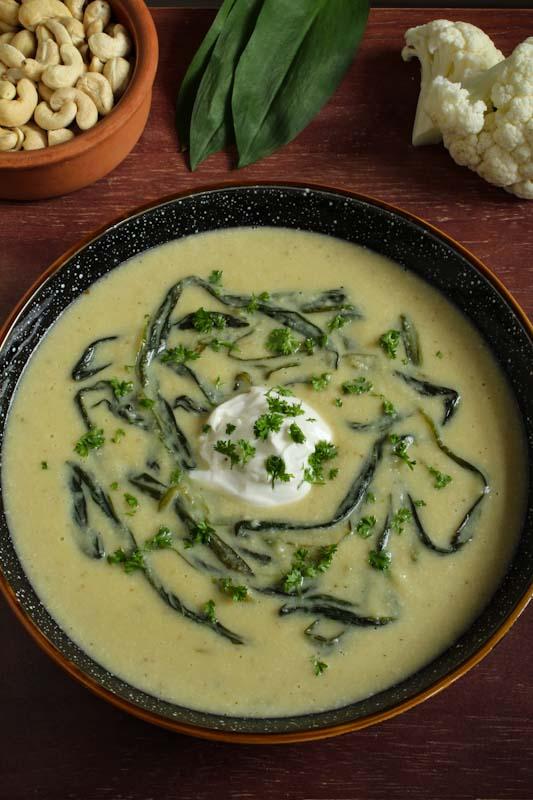 Vegan Cauliflower Cheese Soup