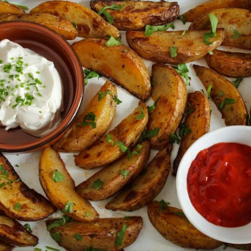 Crispy Baked Potato Wedges Cajun-Spiced
