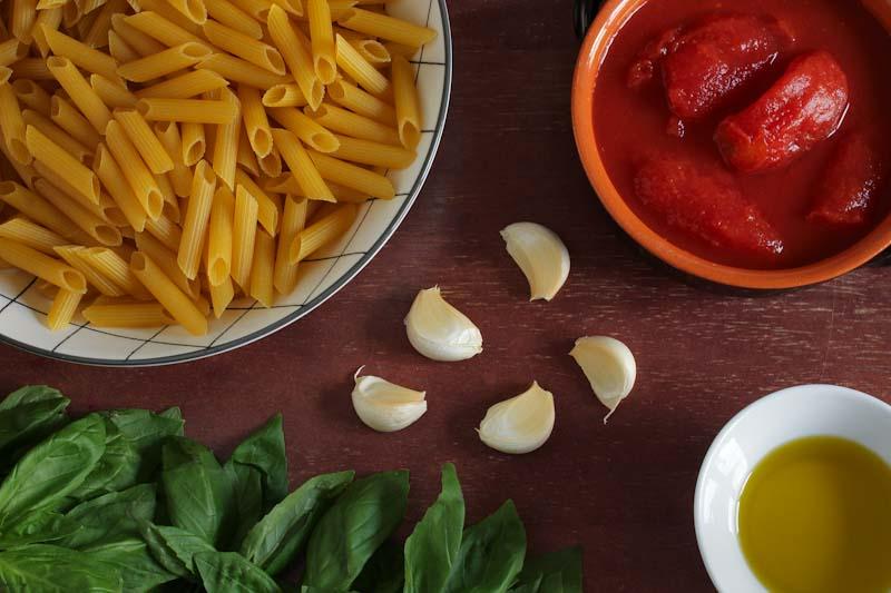 Easy Tomato Pasta Sauce Ingredients