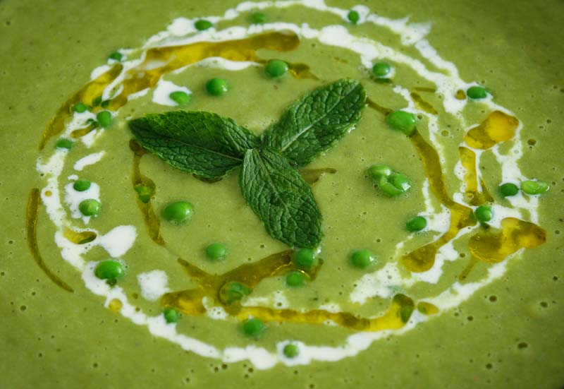 Easy Vegan Pea and Mint Soup Close-Up