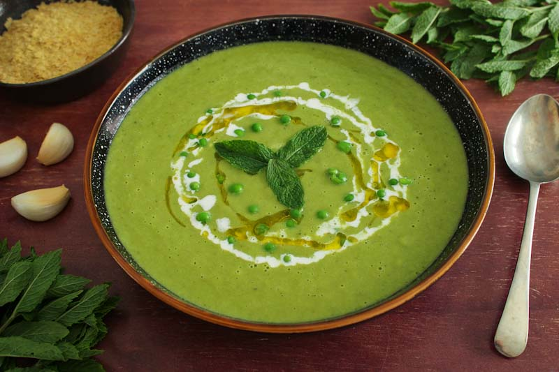 Easy Vegan Pea and Mint Soup