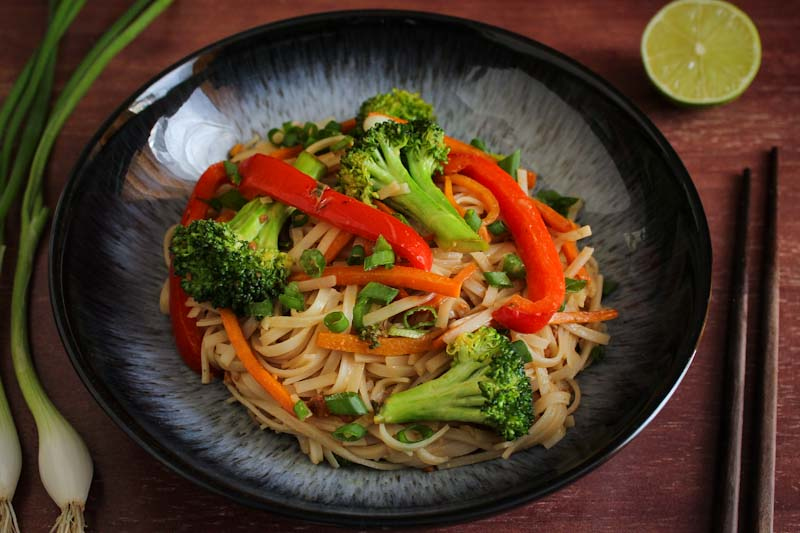 Simple Peanut Noodles with Stir-Fry Veg
