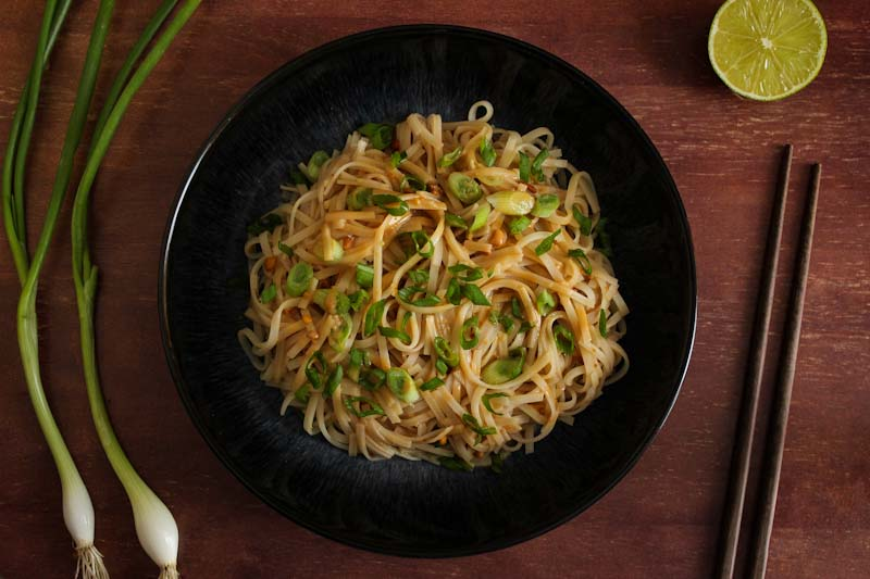 Simple Peanut Noodles with Spring Onions