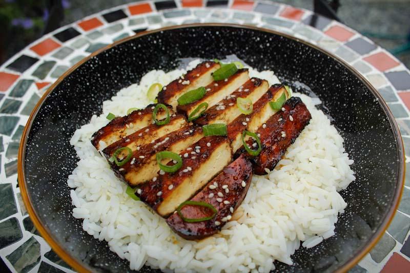 Sliced Teriyaki Tofu on Rice