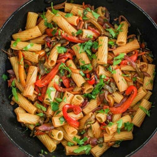 Vegan Bell Pepper Pasta in Pan