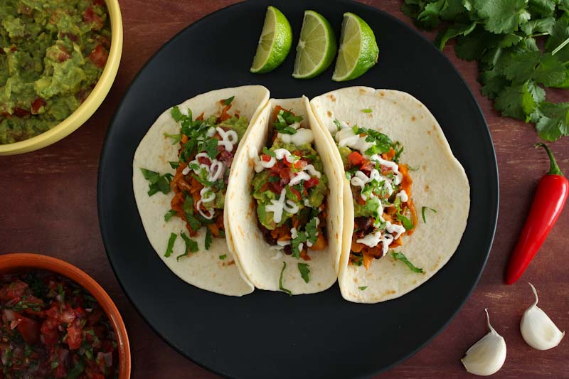 Easy Vegan Tacos with Jackfruit and Black Beans
