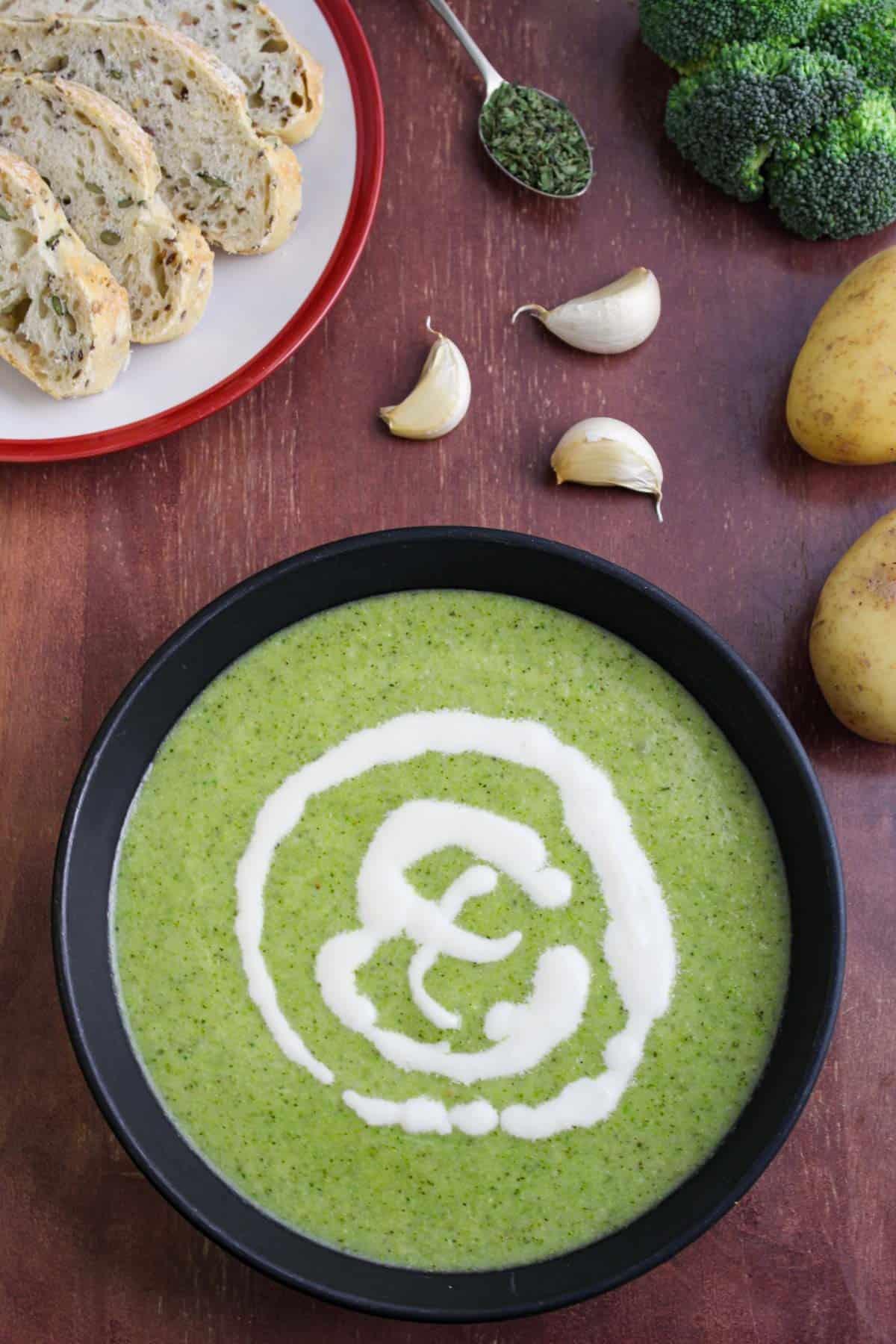 Vegan Broccoli and Potato Soup with Cream and Bread