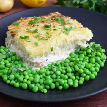 Vegan Fish Pie with Creamy Sauce and Crispy Potato Topping