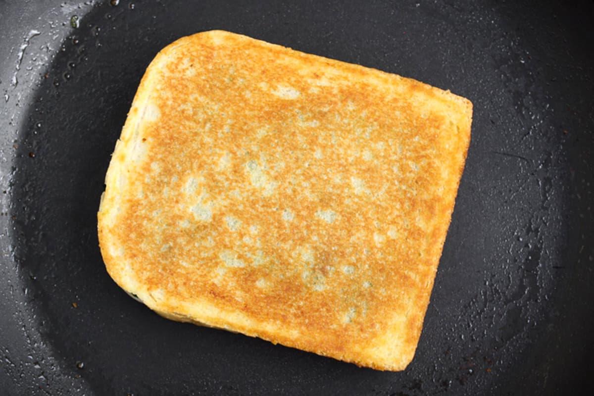 Haggis Toastie in Frying Pan